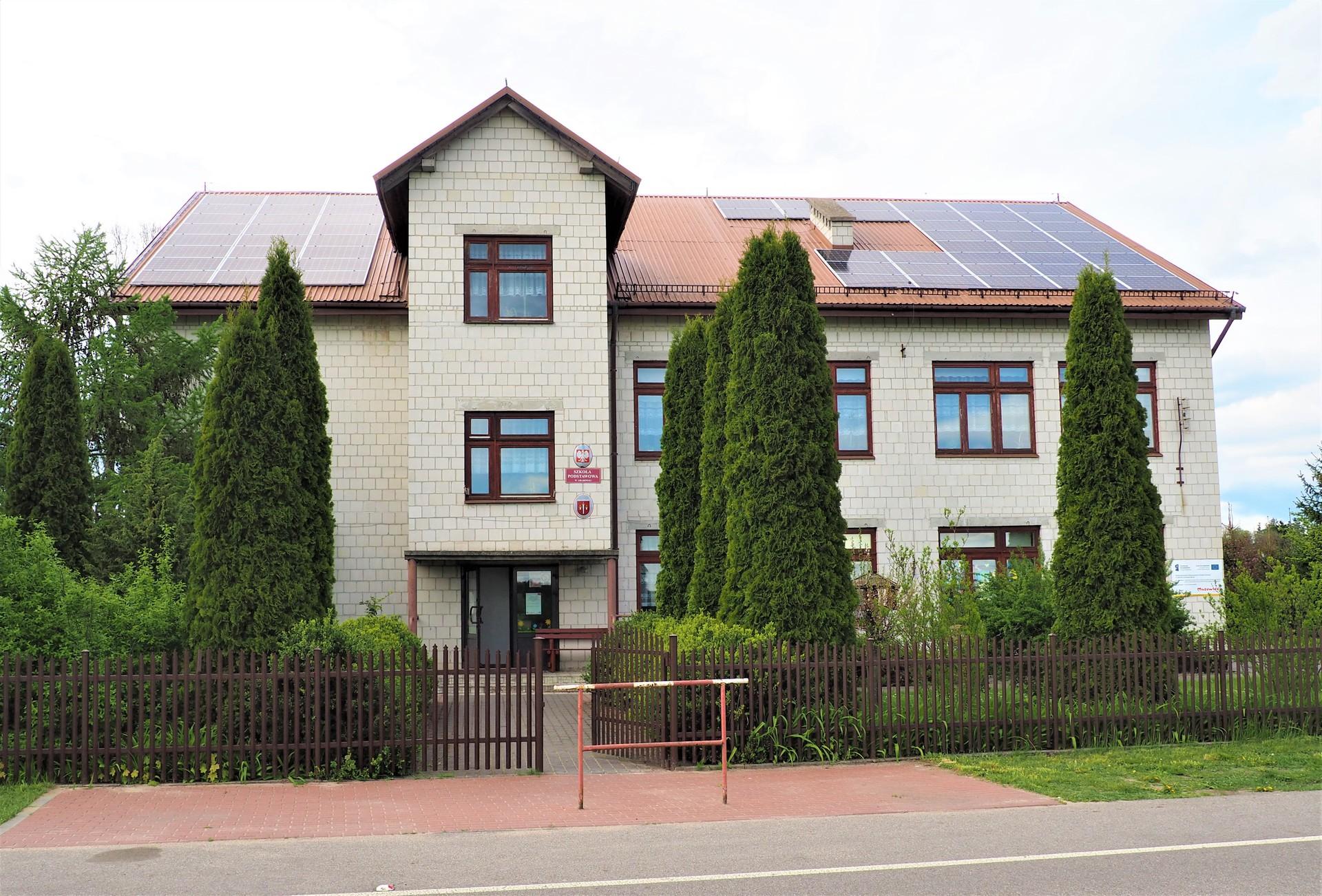Szkoła Podstawowa w Grabówku.jpeg