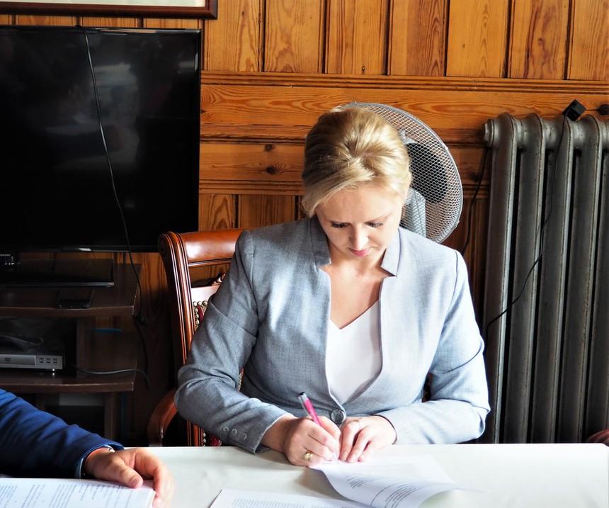 Galeria Remont instalacji elektrycznej – umowa podpisana